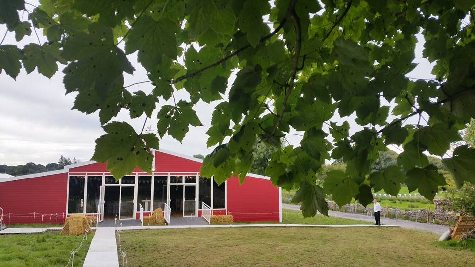 Big Red Barn Pictures American Style Barn For Events Of All